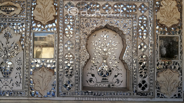 close-up-of-mirror-work-at-sheesh-mahal-amber-fort-jaipur