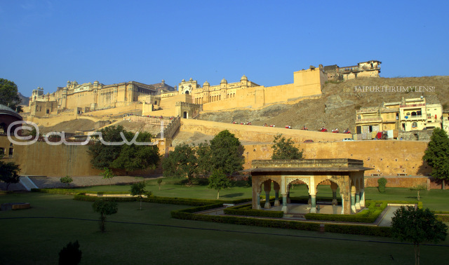 picture of amber fort most popular tourist attraction in jaipur