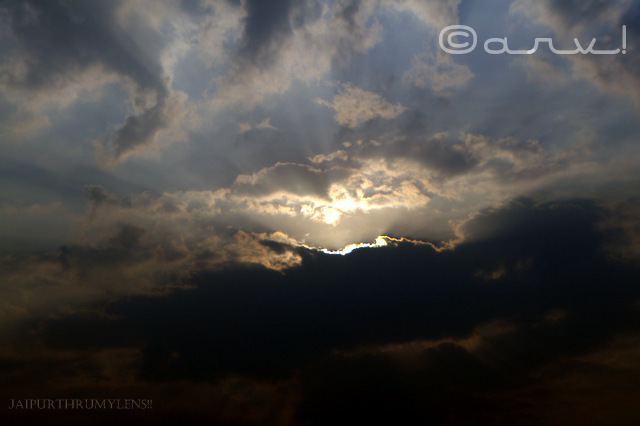 beautiful-sunrise-in-jaipur-skywatch-friday-sunrays-jaipurthrumylens