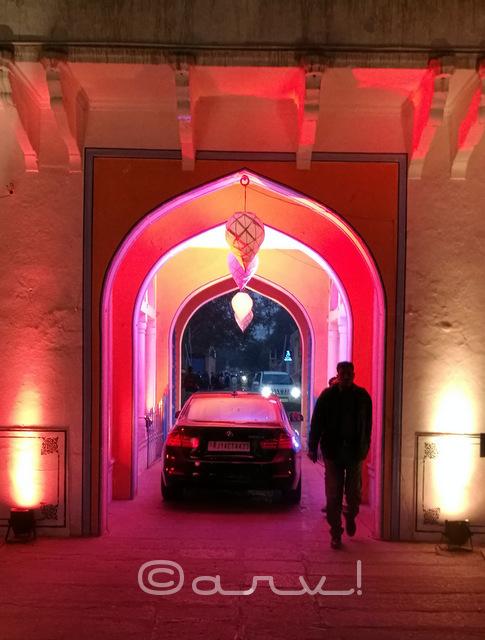 bmw-at-diggi-palace-gate-rajasthan-heritage-week-jaipur-handmade-khadi-jaipurthrumylens