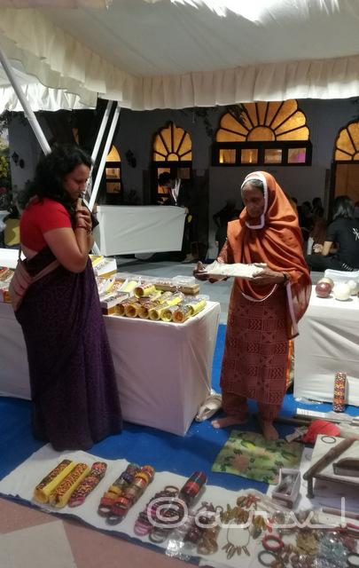 jaipur-lac-bangle-seller-rajasthan-heritage-week-2016