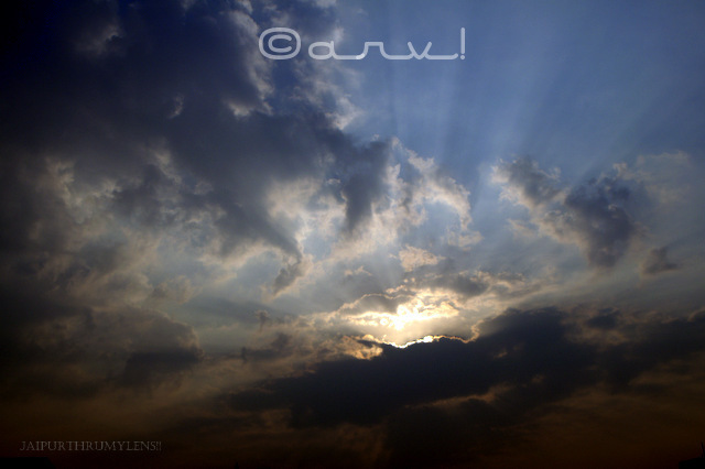 jaipurthrumylens-skywatch-friday-sunrays-from-a-beautiful-sunrise-jaipur