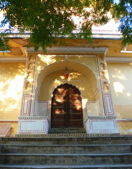 radha-madhav-temple-jaipur-kanak-ghati