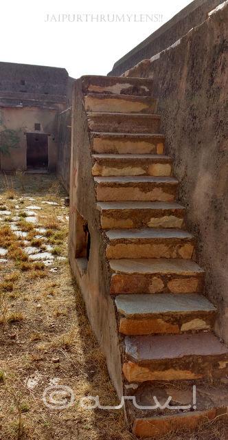 ruined-jaipur-fort-heritage-in-decay-jaipurthrumylens