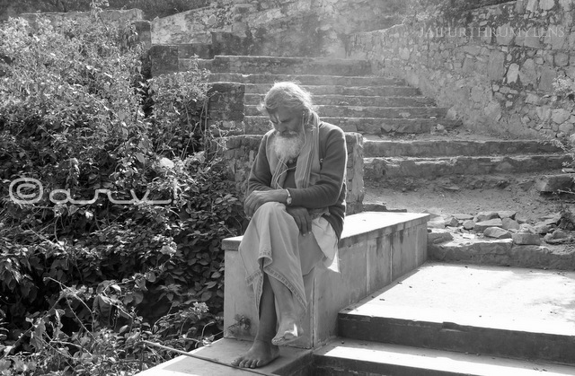 the-priest-monkey-temple-galtaji-jaipur-jaipurthrumylens-india