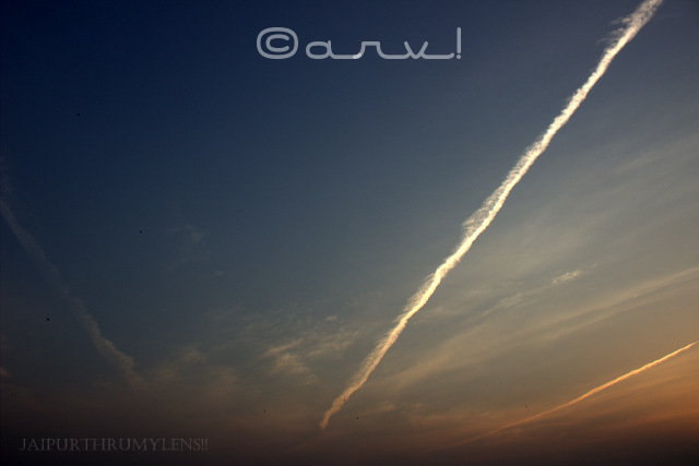 airplane-contrail-in-jaipur-sky-jaipurthrumylens-skywatch-friday