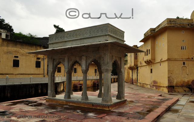 beautiful-barahdari-chhatri-rajput-architecture-at-panna-meena-kund-amer-town-jaipur-jaipurthrumylens