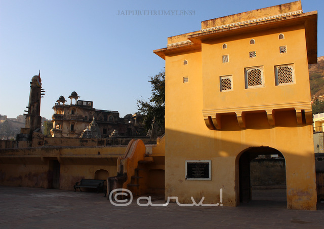 beautiful-ochre-color-rajput-architecture-of-amer-ancient-stepwell-panna-meena-kund-bawri-jaipur-jaipurthrumylens