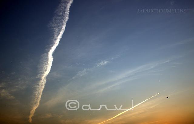 contrail-chemtrail-conspiracy-jet-fuel-vapour-in-jaipur-sky-friday-skywatch-jaipurthrumylens