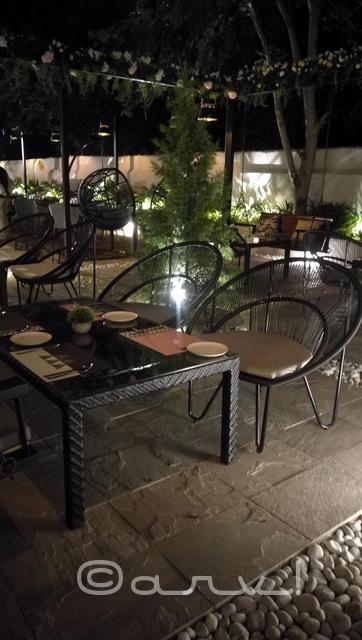 meraki-kitchen-jaipur-outdoor-seating-picture