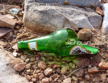 broken-beer-bottle-nahargarh-fort-road-jaipur-stop-drink-and-drive