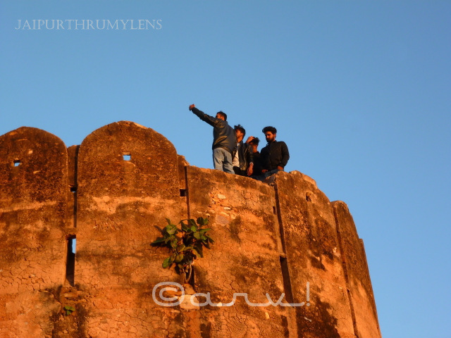 selfie-point-nahargarh-fort-sunrise-jaipur