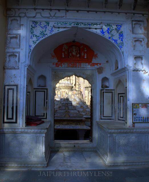 jaipur-gate-at-ambikeshwar-mahadev-at-amer-town-amber-jaipurthrumylens