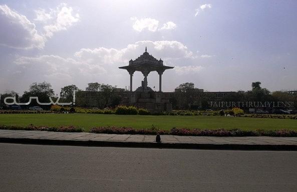 sawai-jai-singh-II-statute-circle-c-scheme-jaipur