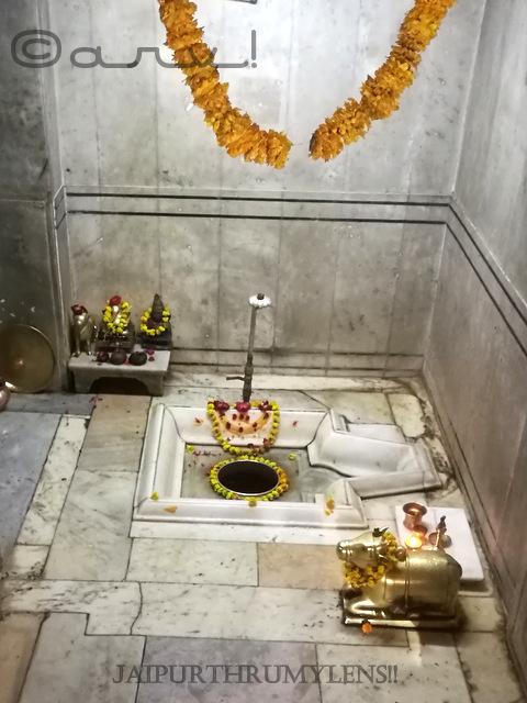 sinking-lord-shiva-shivling-at-ambikeshwar-mahadev-temple-in-amer-town-jaipur-history-of-amber