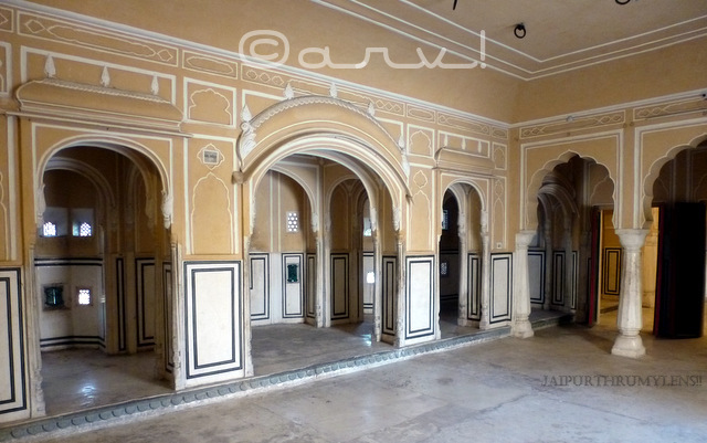 beautiful-interiors-hawa-mahal-araish-work-plaster-jaipur