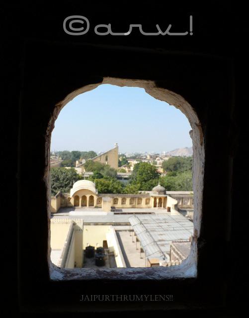 city-palace-view-samrat-yantra-hawa-mahal-jaipur