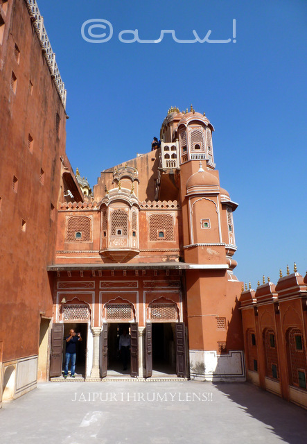side-view-hawa-mahal-jaipur-top-tourist-attraction-jaipurthrumylens