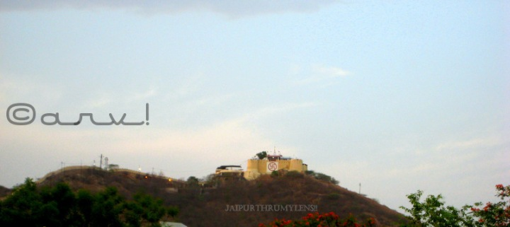 famous-ganesha-temple-in-jaipur-garh-ganesh-temple-lord-ganesh-ji-picture-sunrise-point