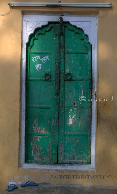 gates-of-jaipur-doors-architecture-jaipurthrumylens-ambikeshwar-temple-amer-fort