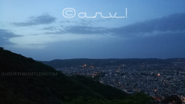view-of-jaipur-from-garh-ganesh-temple-sunrise-time-monsoon-season