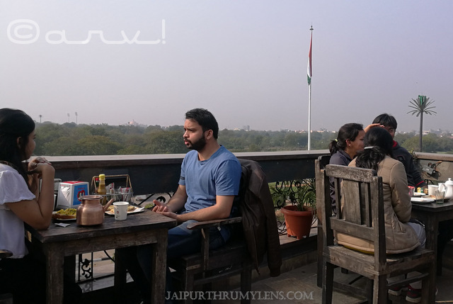 friends-at-tapri-central-jaipur-image-best-open-rooftop-tea-cafe