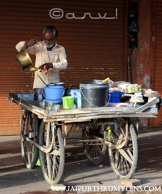 jaipur-tea-market-roadside-vendor-thadi