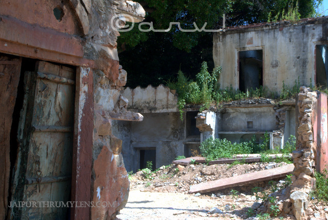 destroyed-building-ruins-wordless-wednesday