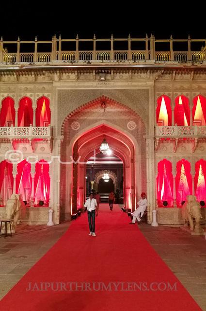 rajendra-pol-city-palace-museum-jaipur