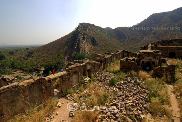 bhangarh-fort-kila-inside-surrounding-view-image