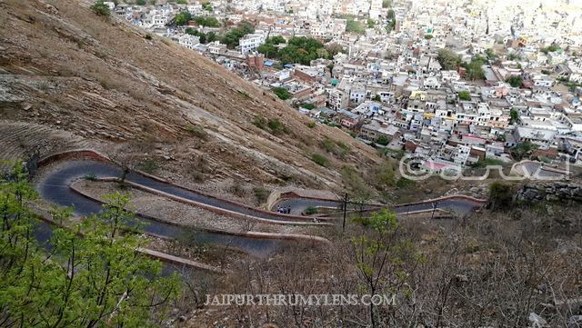 how-to-reach-nahargarh-fort-by-foot-walking