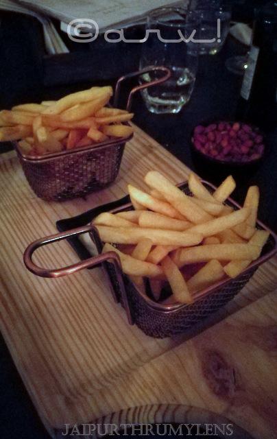 potato-wedges-picture-shikaar-bagh-jaipur-narain-niwas-hotel