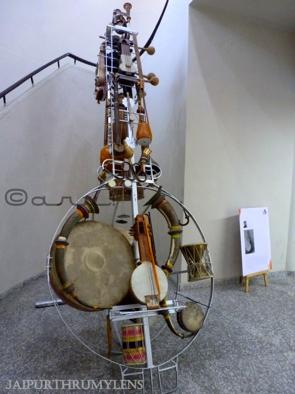 ashwin-dalvi-jaipur-art-summit-indian-lost-musical-instruments-extinction-installation