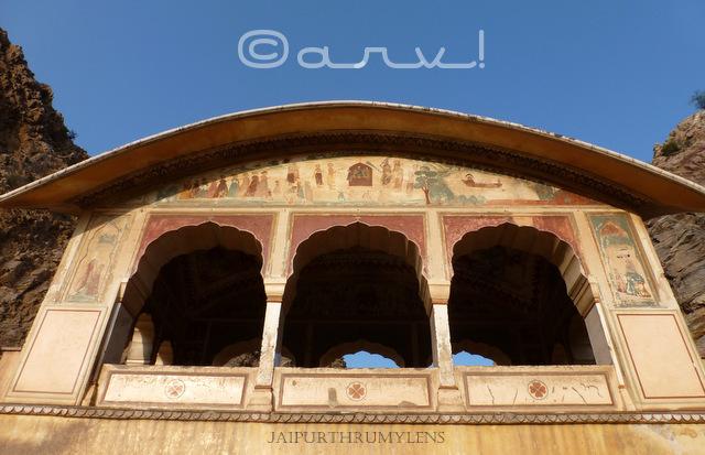 bangledar-chhatri-canopy-jaipur-architecture-galtaji-india