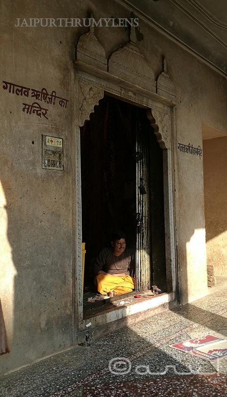 galtaj-history-rishi-galav-saint-jaipur-temple