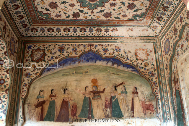 indian-mythology-heritage-wall-painting-galtaji-temple-jaipur