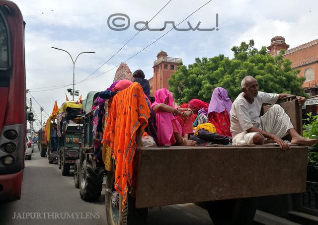 sirehdyodi-bazar-hawa-mahal-badi-chaupar-jaipur-traffic