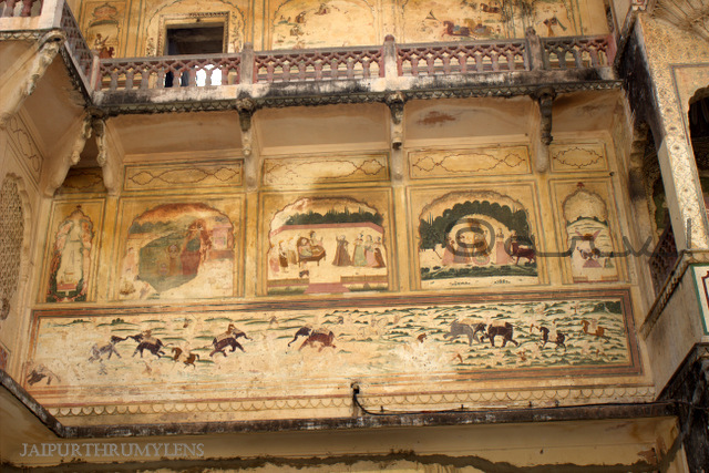wall-fresco-galta-ji-temple-jaipur-architecture-india