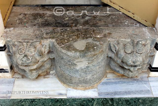 ancient-digambar-jain-temple-amer-jaipur