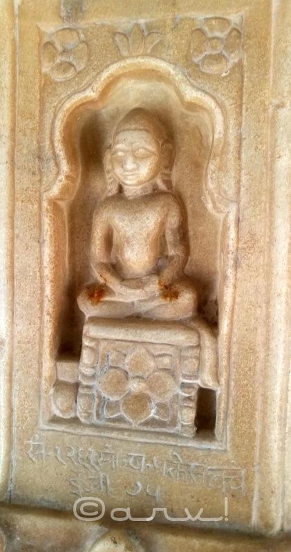 bhagwan-mahavira-swami-digambar-jain-bhattarak