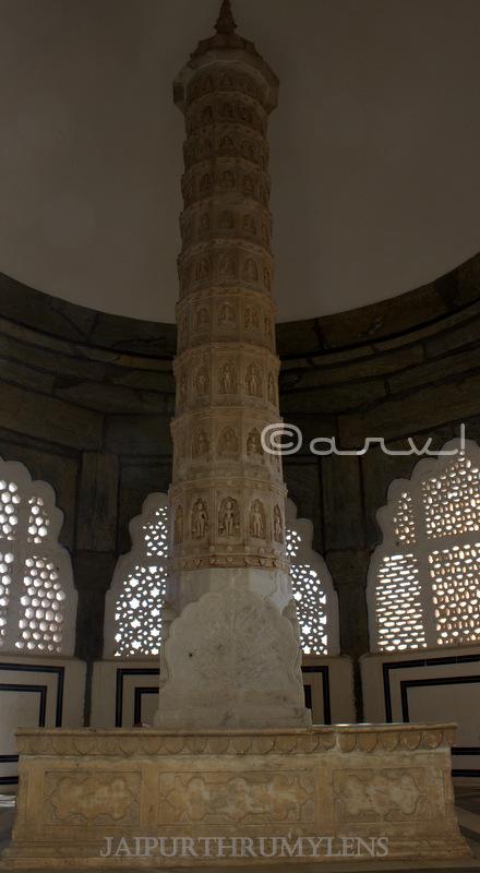 kirti-stambh-marble-statute-bhagwan-mahavira-swami-bhattarak-jain-temple-jaipur