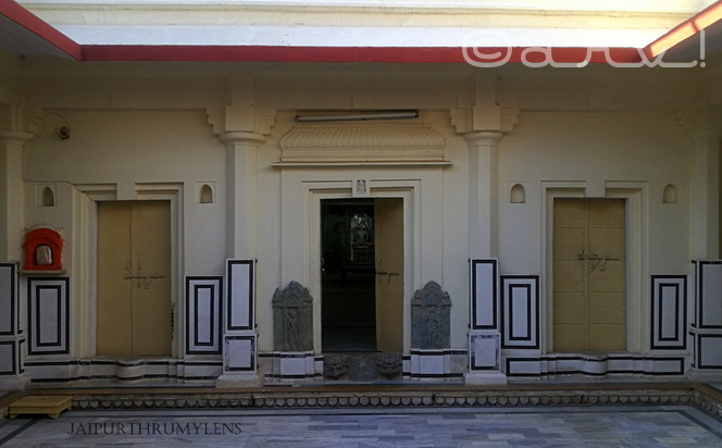 old-digambar-jain-temple-amer-jaipur-bhagwan-mahavira-swami