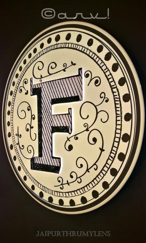 farzi-cafe-jaipur-logo-review-zomato