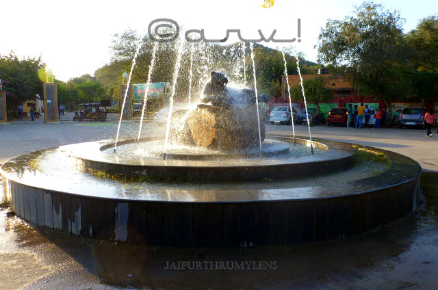 ticket-booking-window-fountain-roundabout-nahargarh-zoological-biological-park-jaipur