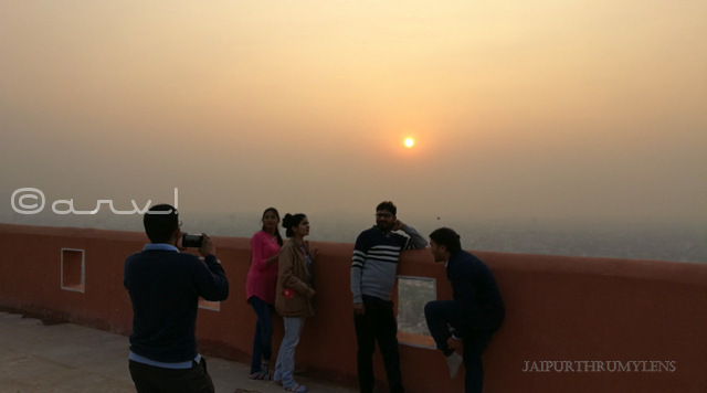 beautiful-sunset-point-jaipur-surya-mandir-sun-temple-photo
