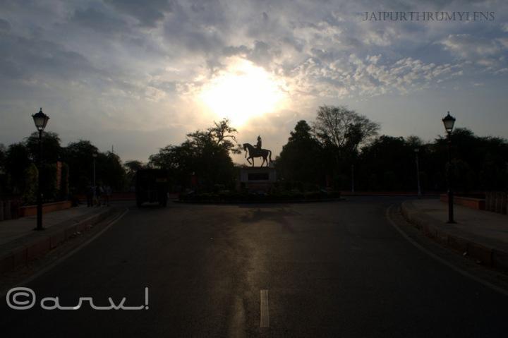 sawai-man-singh-ii-statute-ram-niwas-garden-jaipur-skywatch-friday