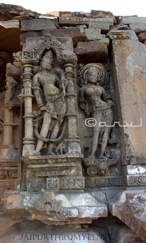apsara-dancer-ancient-indian-stone-idols-harshnath-temple