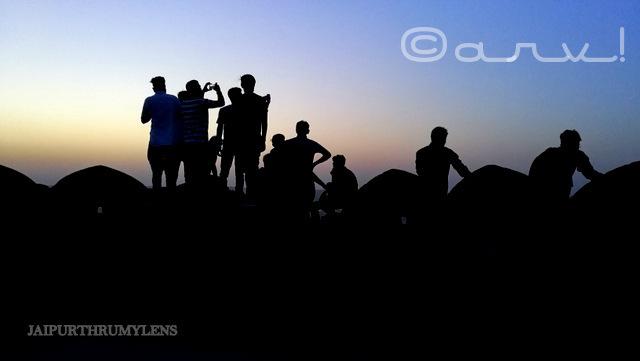 crowd-best-sunrise-point-nahargarh-fort-jaipur