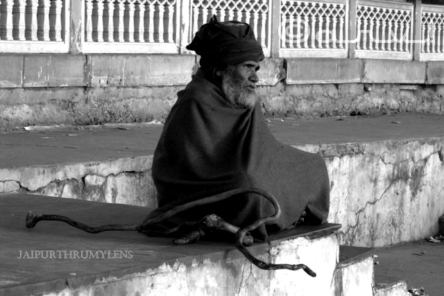 photo-poor-man-beggar-jaipur-india