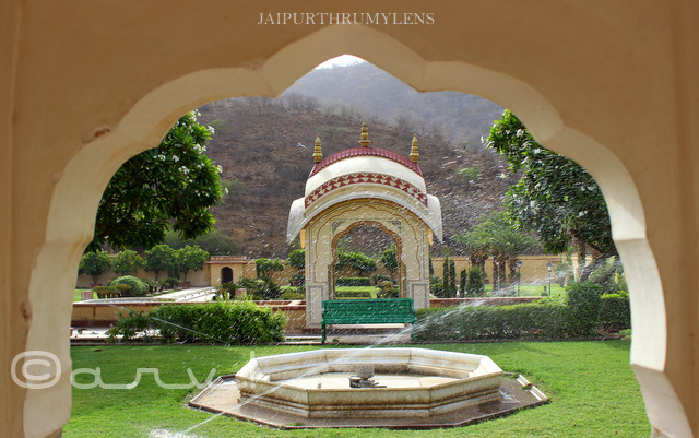 arch-at-sisodia-rani-garden-jaipur-photo